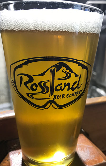 Rossland Beer Company Green Jacket Pale Ale
